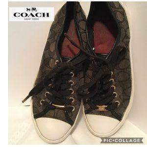 Coach size 7 1/2 Empire canvas rubber